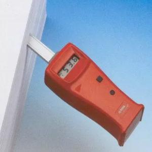 Прибор для измерения влажности в стопах бумаги, картона или других листовых материалов.