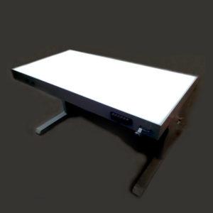 Световой стол для проведения реставрационных работ с возможностью регулировки по высоте и углу наклона рабочей поверхности