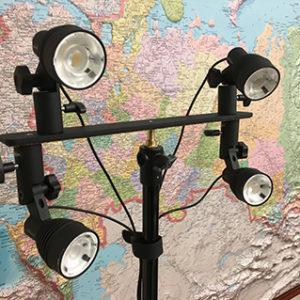 Портативный комплект профессионального освещения высокой точности на шарнирном кронштейне RENOVA 4DR